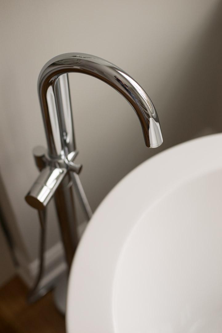 Winslow Interiors - gooseneck standalone tub faucet